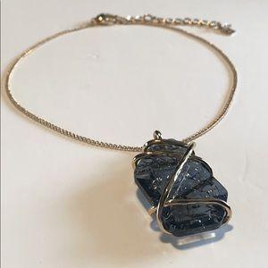 🌹 H&M • Smokey Stone Statement Necklace